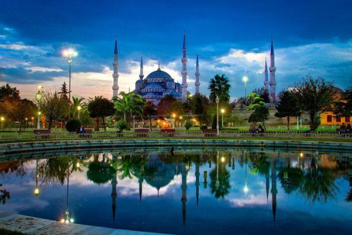 Украинцы смогут летать в Турцию по внутренним паспортам