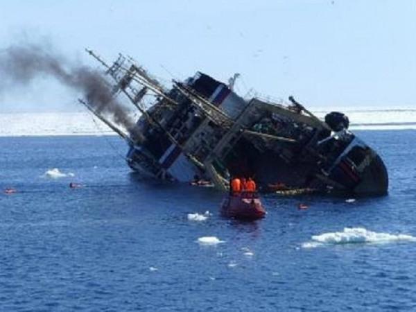В Охотском море затонул траулер. Среди 54 погибших есть украинцы