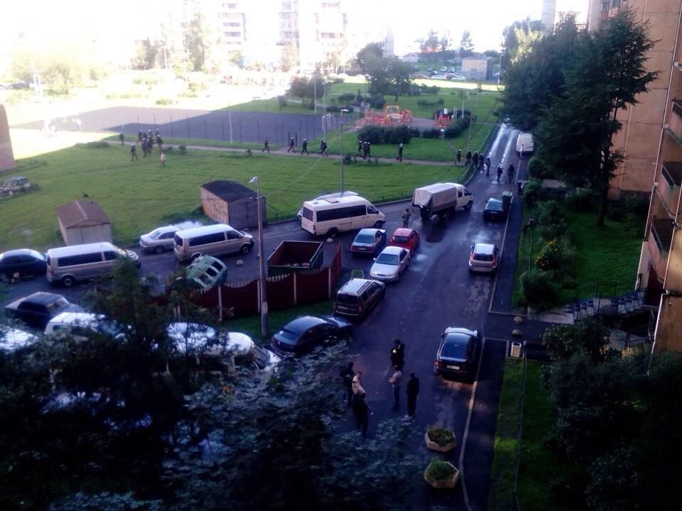 Терракт в Санкт-Петербурге: в жилом доме прогремело два взрыва