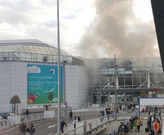 Два взрыва в аэропорту в Брюсселе: причины неизвестны, есть погибшие и раненые (видео)