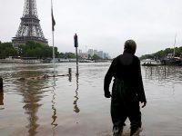 Наводнение во Франции: затоплен Лувр, эвакуировали тысячи людей (видео)