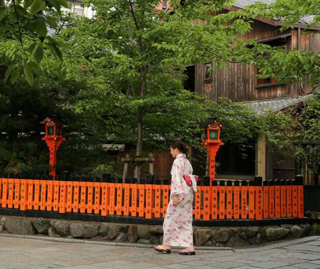 Японка нашла 1,9 млн иен в подержанной мебели