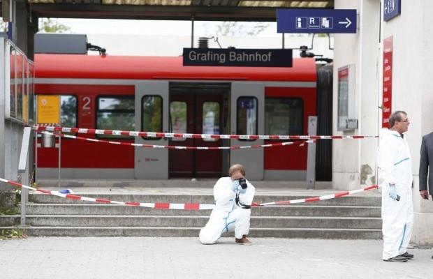 В Германии преступник с криками «Аллах акбар» убил одного и ранил трех человек (видео)
