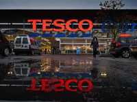 GLASGOW, SCOTLAND - OCTOBER 23:  A general view of a Tesco supermarket on October 23, 2014 in Glasgow, Scotland.Tesco one of Britains biggest supermarkets has announced a 91.9% plunge in pre-tax profits to £112 million for the first half of the year.  (Photo by Jeff J Mitchell/Getty Images)