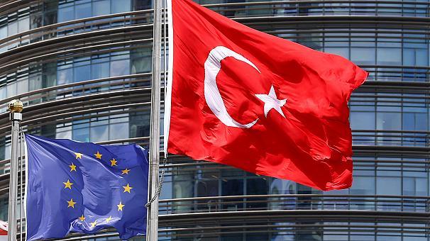 Турция угрожает выйти из ЕС, хотя еще туда не вошла