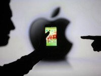 Конфронтация между Apple и правительством США набирает обороты