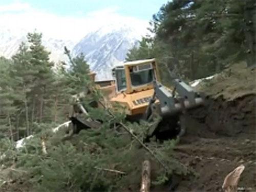 В Альпах срочно строят дорогу к месту крушения Airbus A320