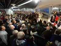 В Германии забастовка наземных служб парализовала работу аэропортов (видео)