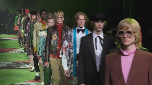 Неделя моды в Милане: от утенка Дональда до Джулиана Ассанжа (видео)