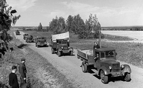 Назад в будущее: В России возрождают советские колхозы