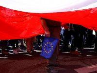 Спор между Брюсселем и Варшавой набирает обороты