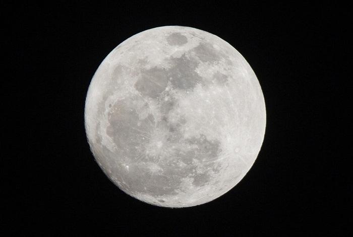 """14 ноября в небе можно было наблюдать """"суперлуну"""" (фото)"""