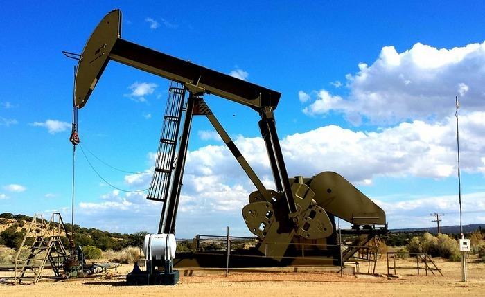 15 августа на фоне вероятной заморозки добычи цены на нефть продолжают расти