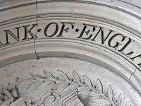 Банк Англии поддержал британскую экономику сверхнизкими ставками