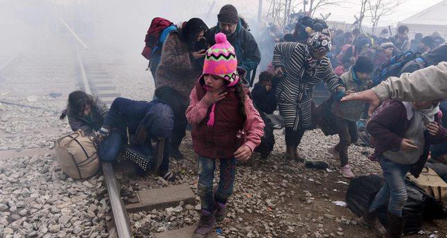 Греческий Идомен утонул в огне из-за новых столкновений беженцев с пограничниками (видео)