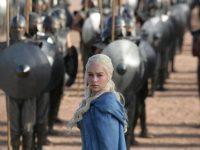 """28 лошадиных сердец съела на съемках """"Игры престолов"""" актриса Эмилия Кларк"""