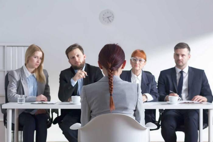 Почему искать работу лучше с помощью профессионального сервиса