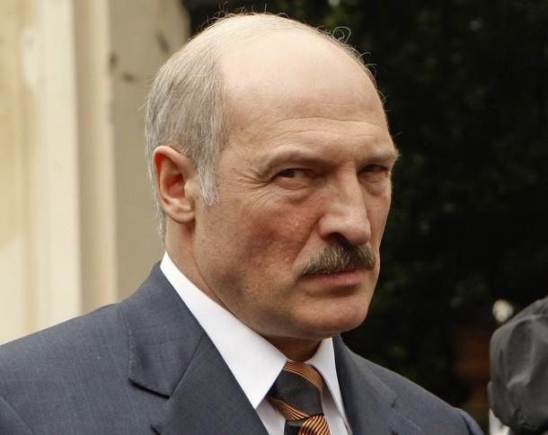 Лукашенко освободил политических заключенных, чтобы получить кредит от МВФ