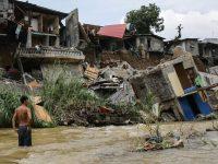 Масштабные оползни на Шри-Ланке: десятки погибших, 200 семей пропавших без вести (видео)