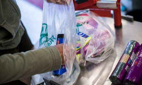 Франция вводит полный запрет на использование одноразовых полиэтиленовых пакетов