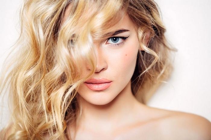 Любой девушке интересно узнать, как стать красивой и ухоженной. Рассмотрим рецепты, хитрости и секреты женской красоты. Вопрос, как стать красивее других, волнует и подростков в 11, 12, 13, 14 лет и женщин в 50 fdlx.com