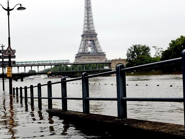 Франция: убытки от наводнения -1 млрд евро