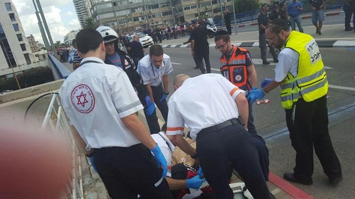 Теракт в Тель-Авиве: Израиль обещает атаковать нападающих