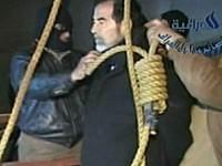 Коллекционеры устроили небывалую «войну» за веревку, на которой был повешен Саддам Хусейн