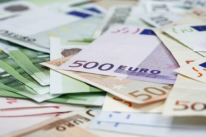 Валютная пара EUR RUB: как торговать и ее основные особенности
