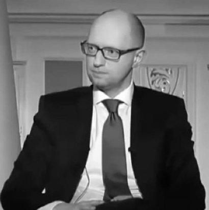 Сеть подорвало видео с «допросом» Яценюка