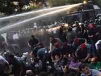 Акцию протеста в Ереване против повышения тарифов разогнали водометами (фото)