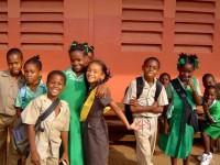 Африканкам предлагают стипендию за воздержание от интима