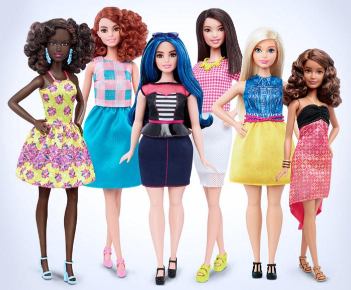 Новая кукла Барба поддержала революцию на мировых подиумах (видео)
