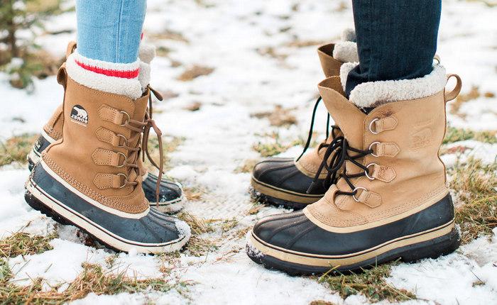 Як розтягнути зимове взуття