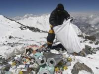 Индийская армия поднимется на Эверест убирать мусор