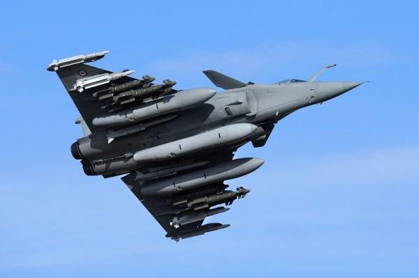 Франция продала Катару 24 истребителя Rafale