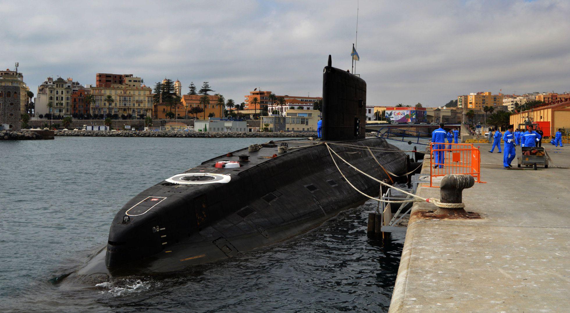 Не взирая на санкции, Испания открыла порт для российских военных кораблей