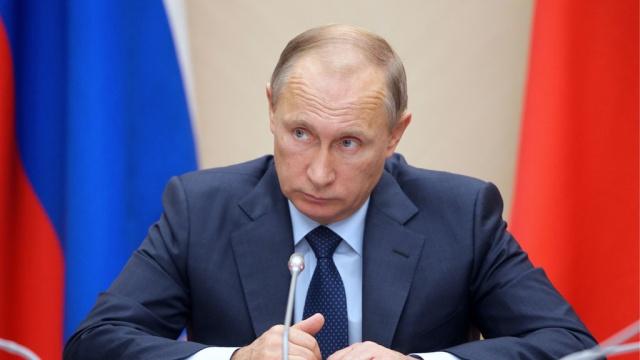 Путин запретил полеты гражданской авиации в Египет