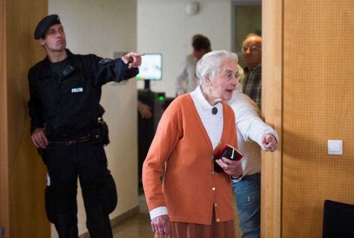 88-летнюю немку приговорили к 6 месяцам тюрьмы за отрицание Холокоста