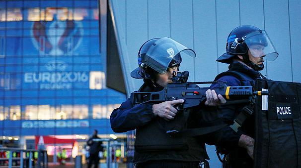 Британский МИД предупредил о риске терактов на Евро-2016