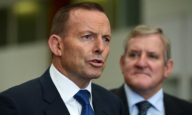 Австралийский экс-премьер «погорел» на дорогих часах