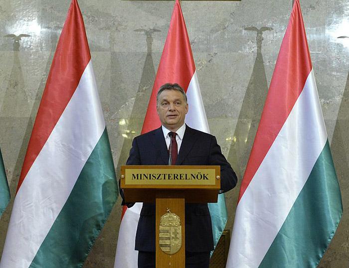 Еврокомиссия требует объяснений от Венгрии относительно референдума о размещении беженцев
