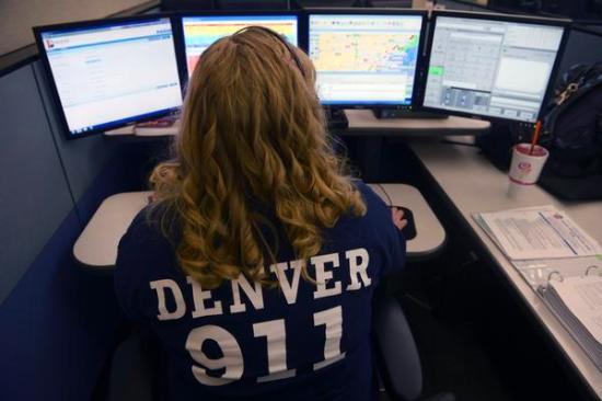 Самые нелепые и смешные звонки в 911