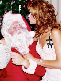 Из торгового центра уволили Санта-Клауса за приставания к покупательнице