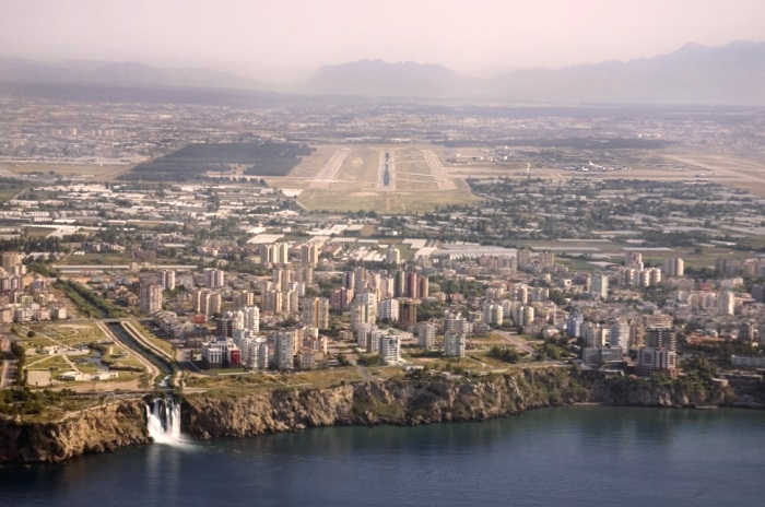 Правительство России разрешит чартерные рейсы в Турцию не ранее конца июля, - Дворкович