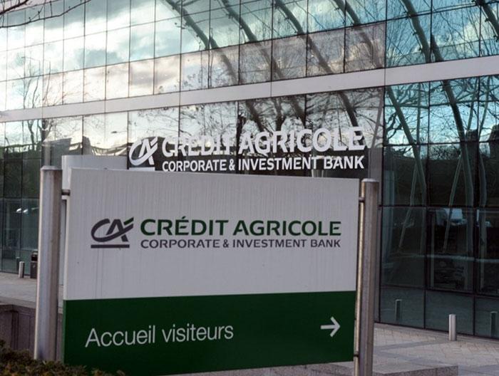 Прибыль французского банка Credit Agricole увеличилась в 12 раз