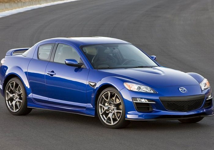 Mazda RX-8: обзор модели и характеристики