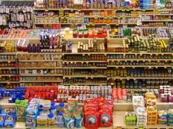 Россияне пострадали от запрета на импорт продукции из США и Евросоюза
