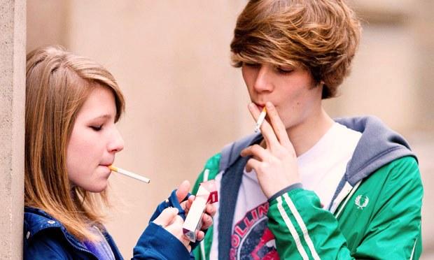 В Калифорнии разрешена продажа сигарет людям от 21 года, - губернатор Джерри Браун