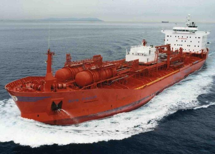 Иран направит вторую партию нефти в Европу до конца февраля